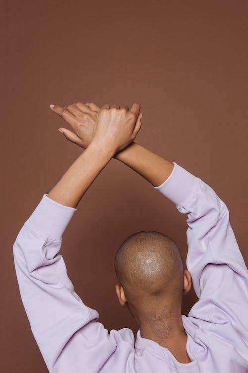 Бесплатное стоковое фото с Анонимный, афроамериканец, безволосый