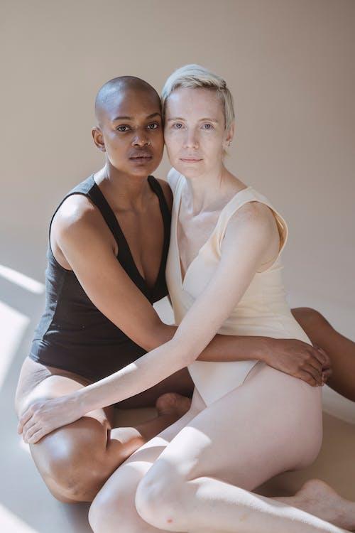 Darmowe zdjęcie z galerii z afroamerykanka, bez uczuć, bezwłosy