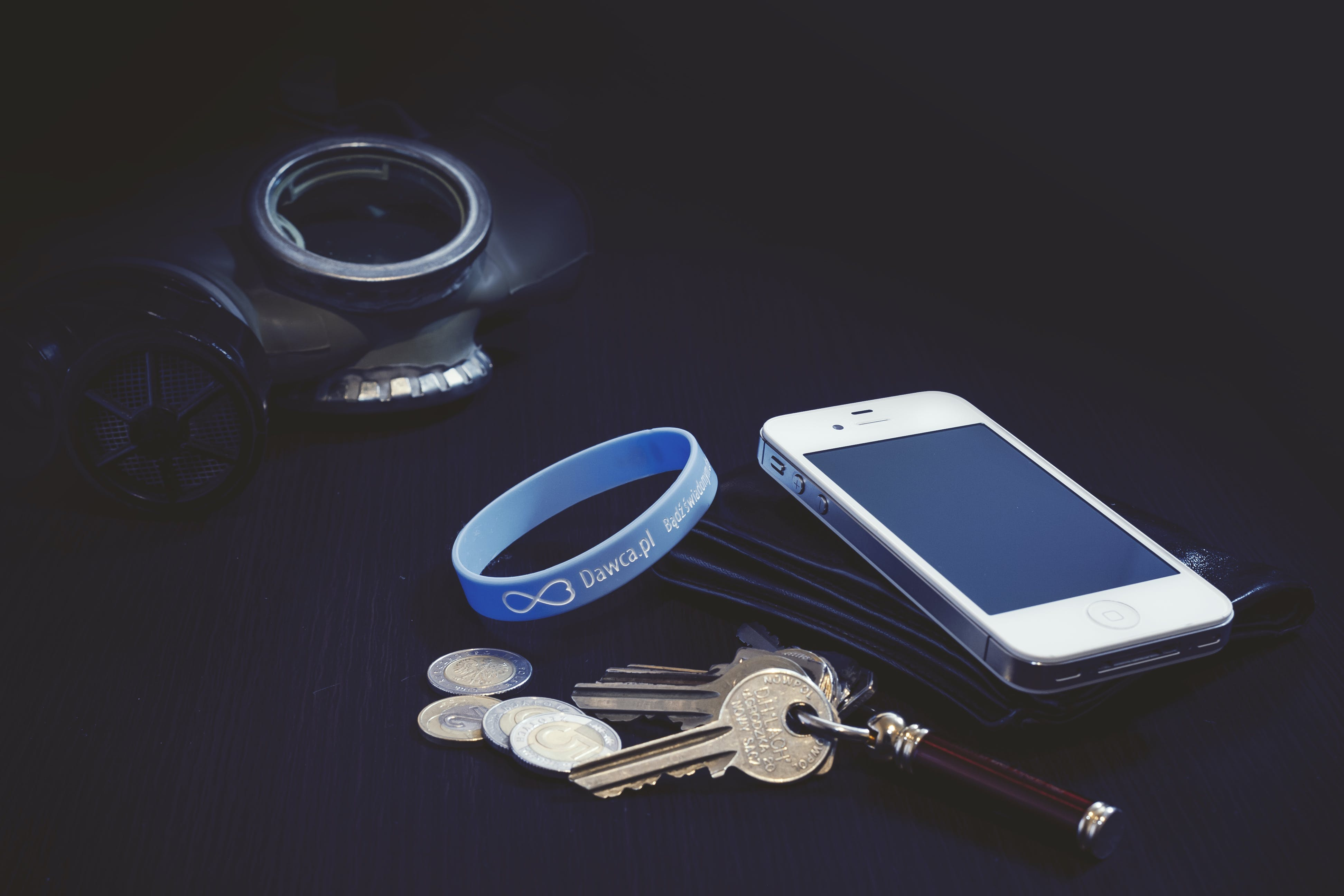 Free stock photo of iphone, desk, keys, coins