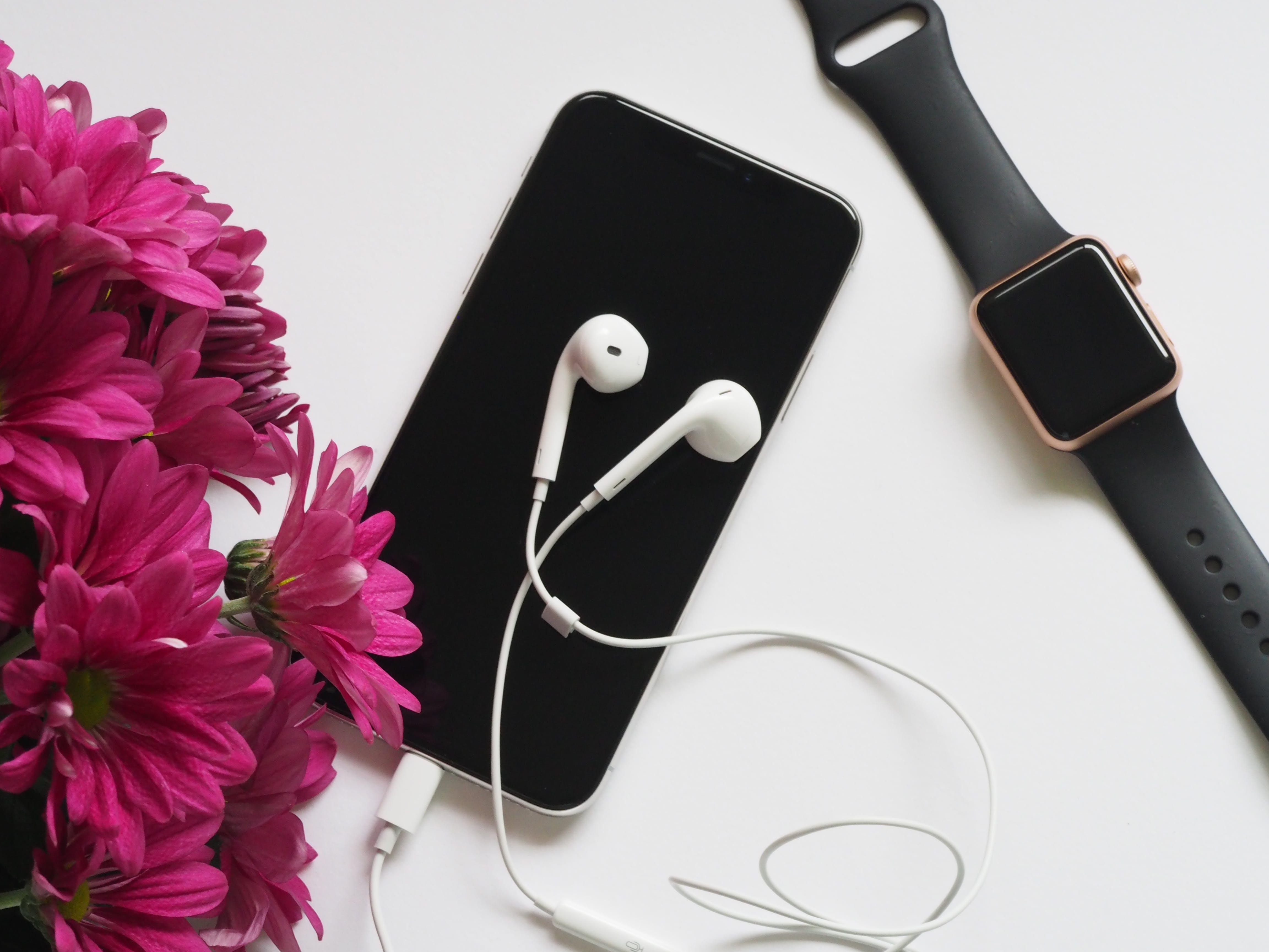 Kostenloses Stock Foto zu apple watch, apple-geräte, armbanduhr, aufsicht