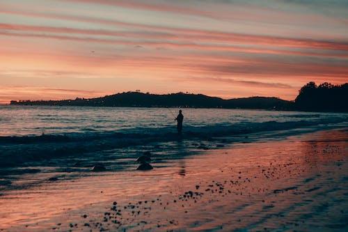 Foto d'estoc gratuïta de aigua, bonic, capvespre, cel espectacular