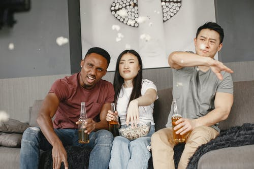 Immagine gratuita di amicizia, birra, bottiglie
