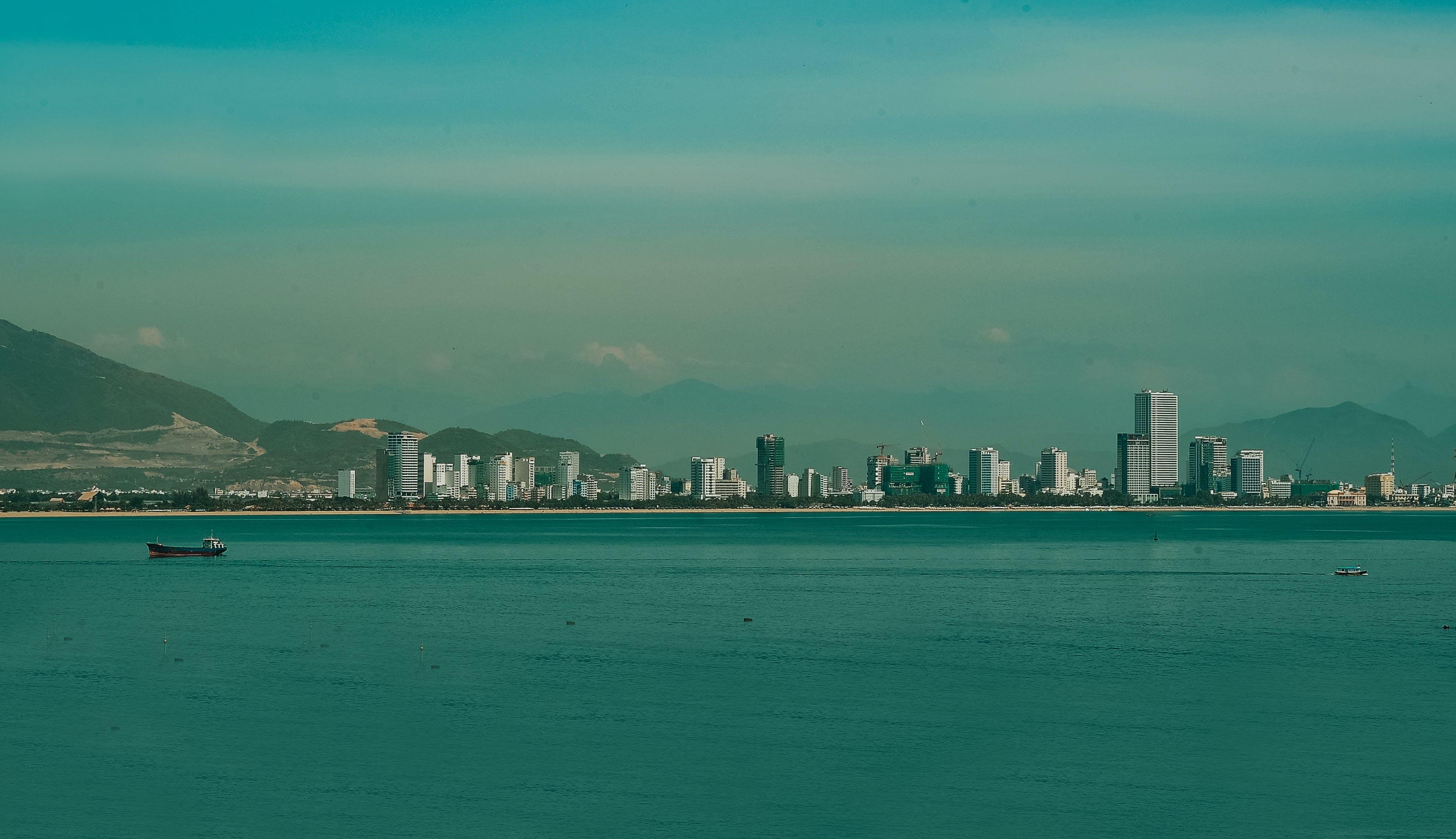 Ilmainen kuvapankkikuva tunnisteilla arkkitehtuuri, kaupunki, kaupunkimaisema, kaupunkinäkymä