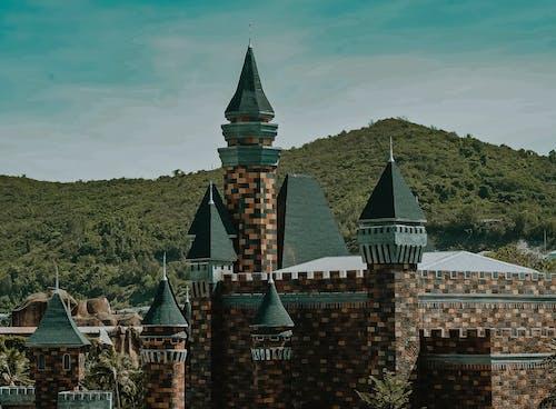 Základová fotografie zdarma na téma architektura, denní světlo, hora, hrad