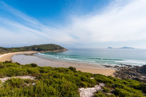 Безкоштовне стокове фото на тему «берег моря, блакитне небо, вода»