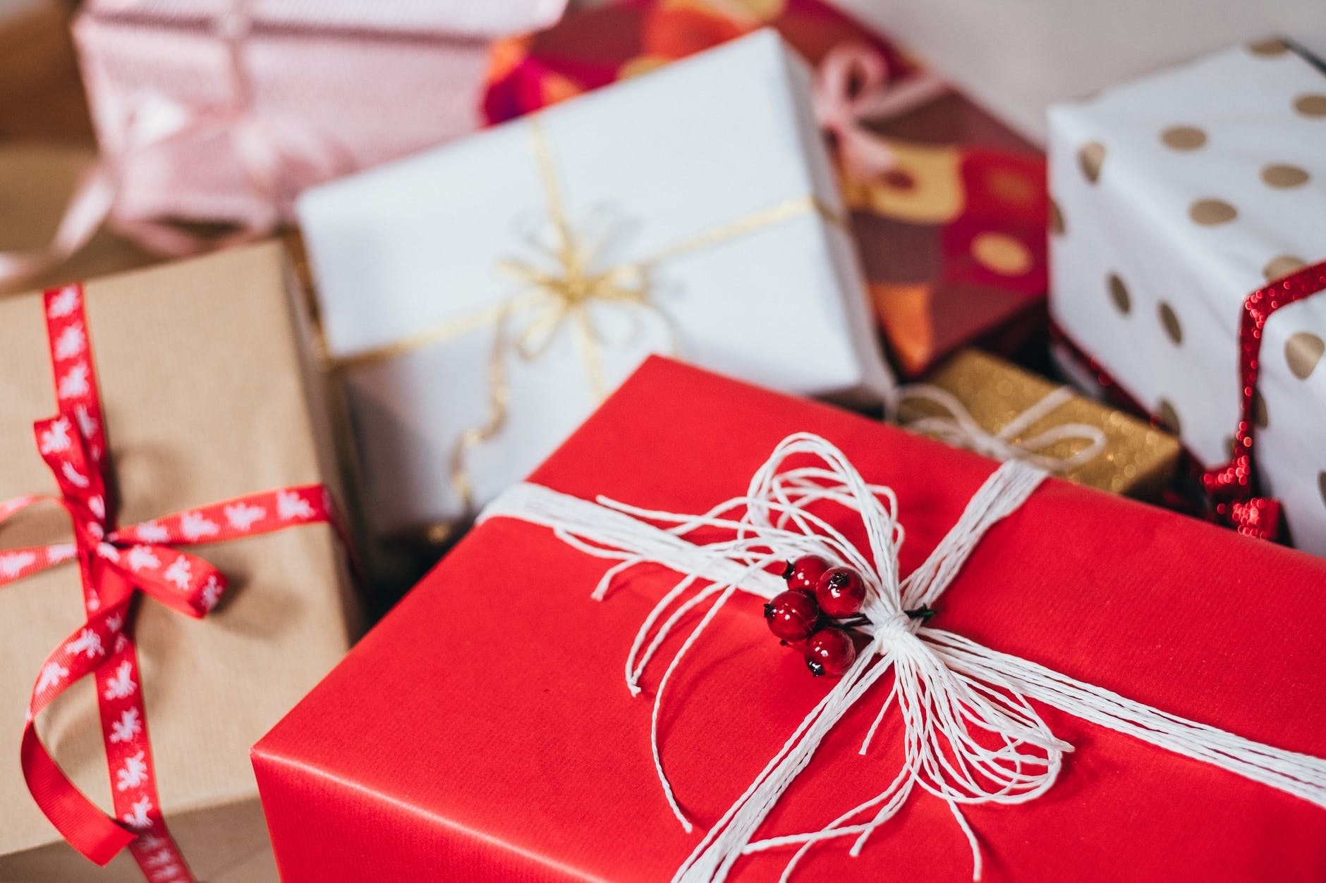 7 Christmas Gift Ideas Your Grandparents Will Like Pq Online Store