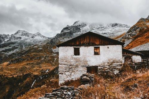 Gratis lagerfoto af bjerge, dagslys, desktop tapet, dør
