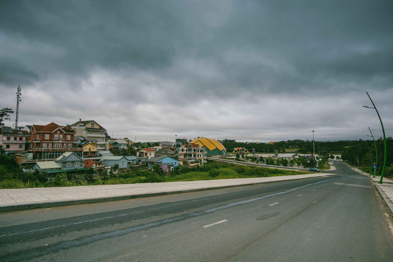 Kostenloses Stock Foto zu architektur, asphalt, auto, autobahn