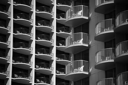 Kostenloses Stock Foto zu architektur, balkon, draußen