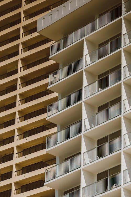 Kostenloses Stock Foto zu architektur, balkon, business