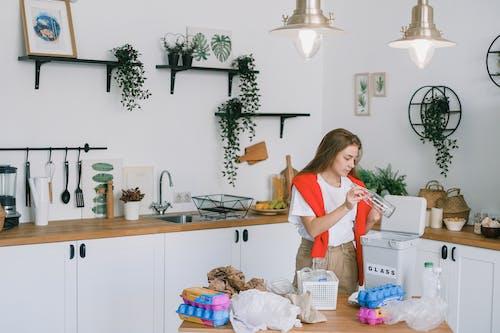 Základová fotografie zdarma na téma čištění, dáma, denní světlo