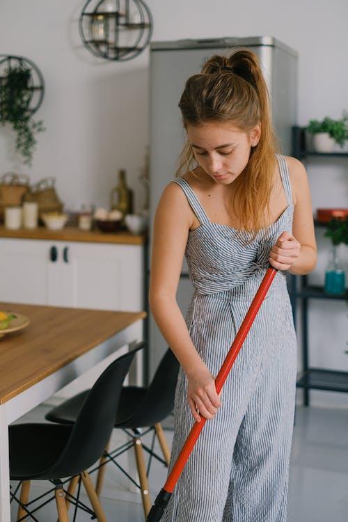 가정, 가정의, 갈색 머리의 무료 스톡 사진