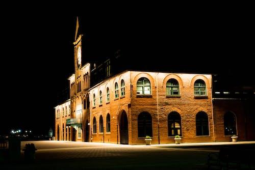 Immagine gratuita di architettura, edificio, esterno, finestra ad arco