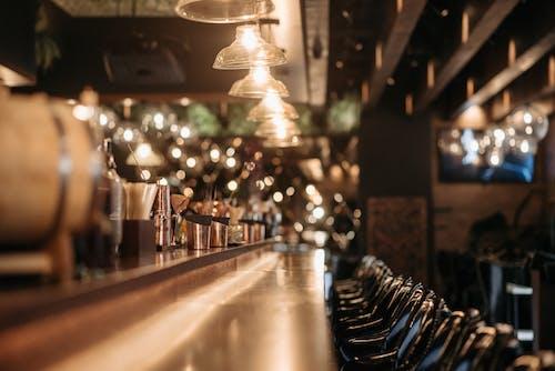 Безкоштовне стокове фото на тему «всередині, гасять ліхтарі, лічильник бар»