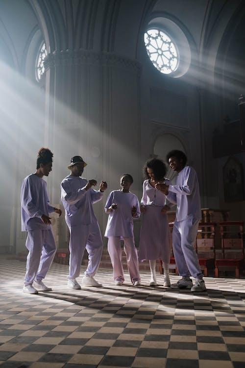 Immagine gratuita di ballando, cantando, cantanti