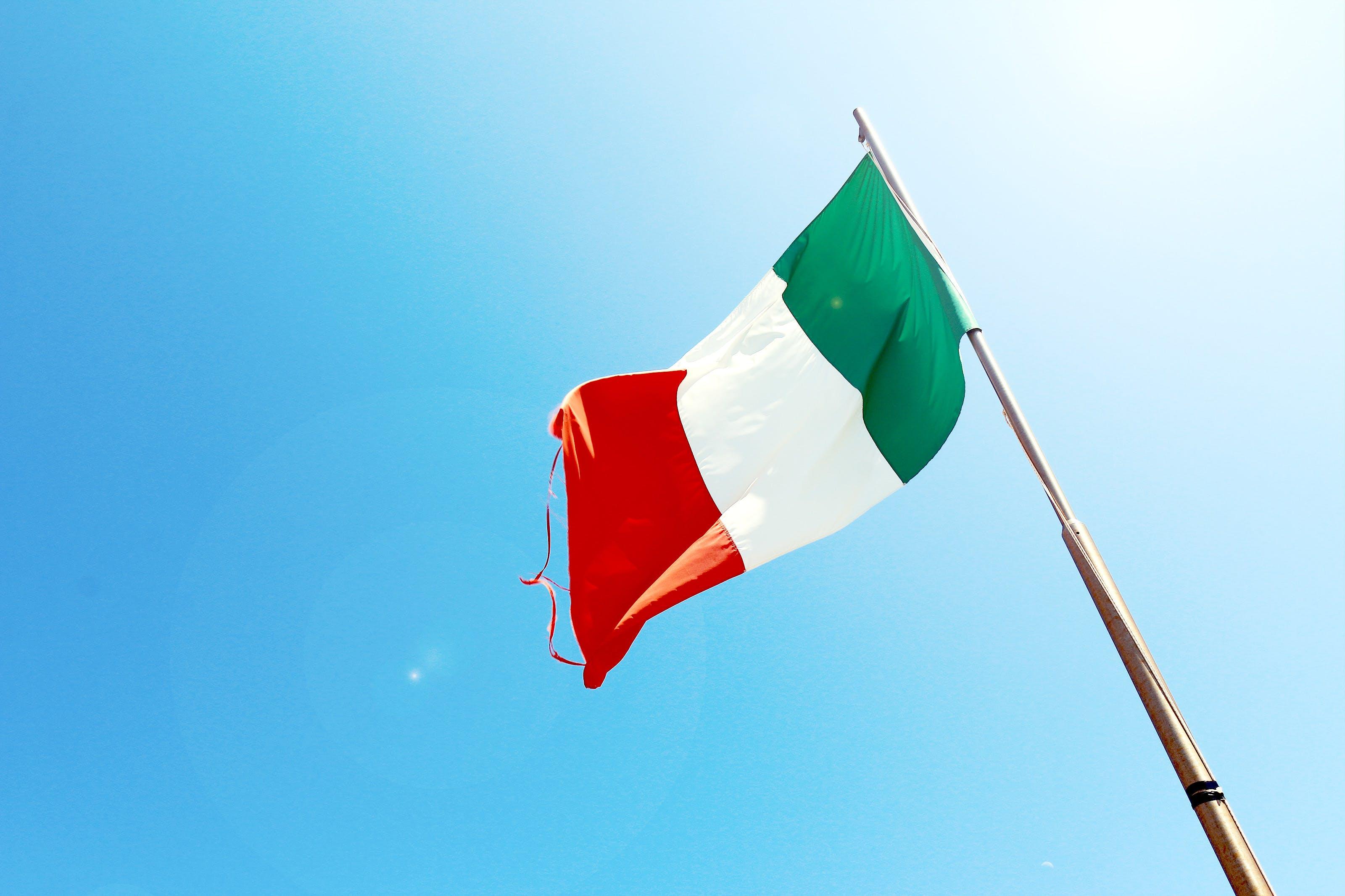 Kostenloses Stock Foto zu fahnenstange, flagge, italien, patriotismus