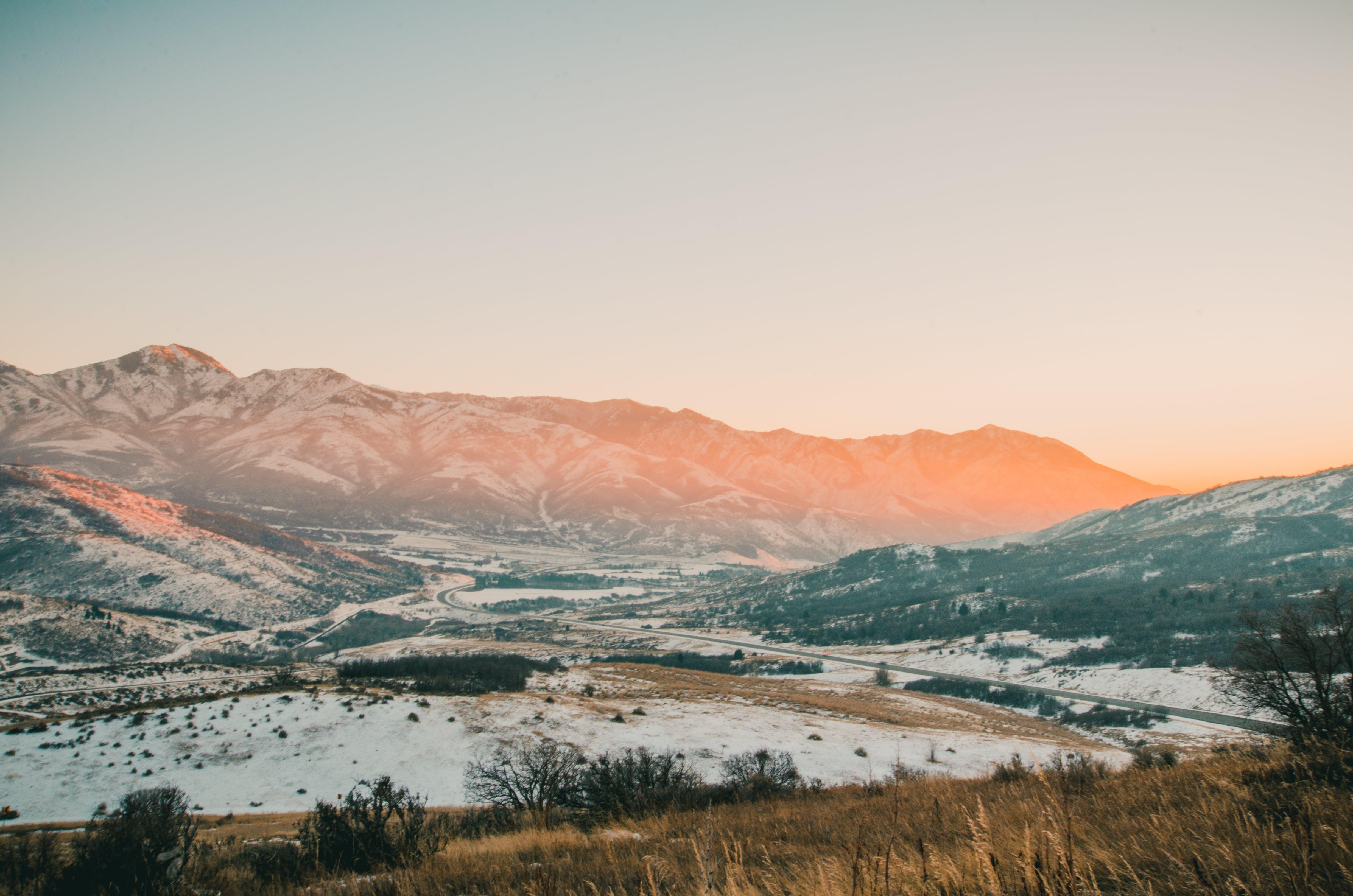 Gratis arkivbilde med dagslys, fjell, gress, himmel