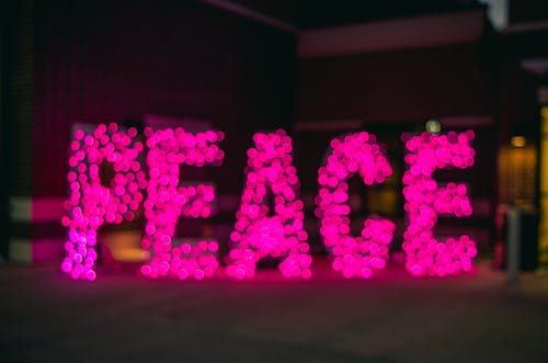 Kostnadsfri bild av fred, lampor, ord, oskarp