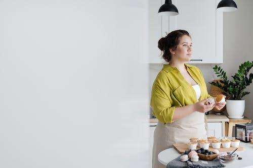 Fotos de stock gratuitas de adentro, apetitoso, chef