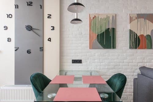 Gratis stockfoto met accommodatie, appartement, bakstenen muur