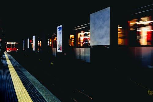 Kostenloses Stock Foto zu abend, architektur, bahnhof, beleuchtet