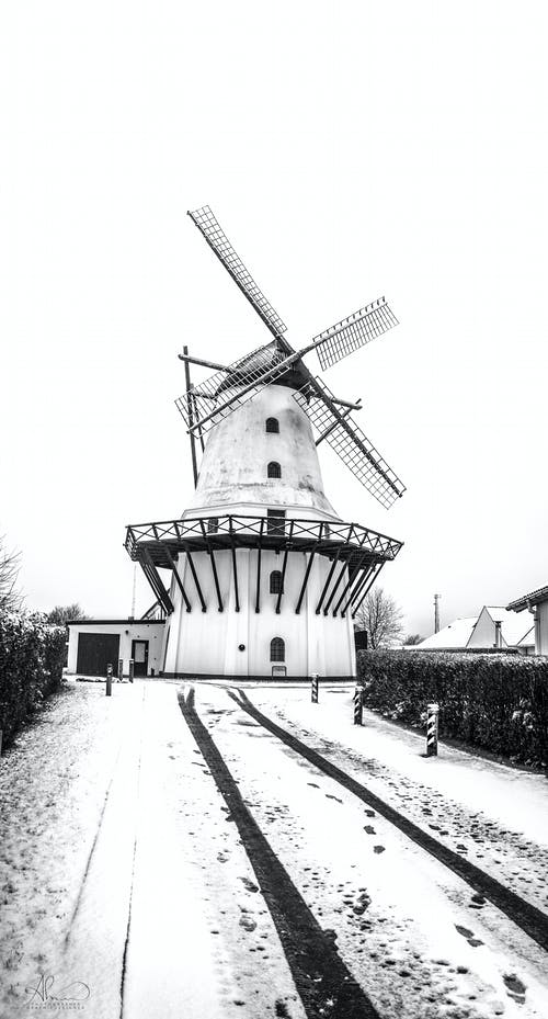Darmowe zdjęcie z galerii z architektura, budynek, czarno-biały, dania