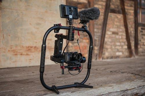 Ilmainen kuvapankkikuva tunnisteilla kamera, kameran varusteet, linssi, mikrofoni