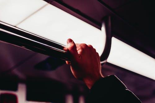 扶手, 火車, 燈光, 裡面 的 免费素材照片