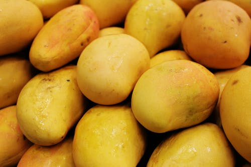 Fresh Yellow Mangoes