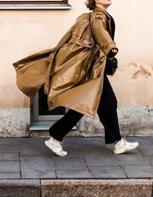 Gratis stockfoto met bagage, bedelen, fashion