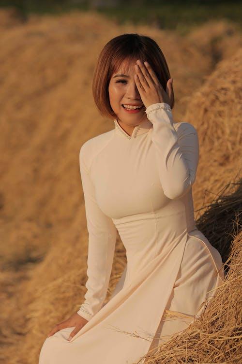Kostnadsfri bild av ao dai, asiatisk kvinna, beläggning