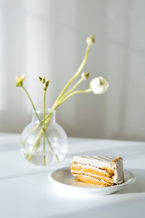 Kostenloses Stock Foto zu dessert, gebacken, geschnitten