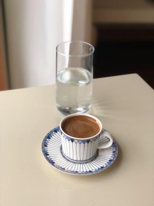 Foto profissional grátis de água, bebida de chocolate, bebidas