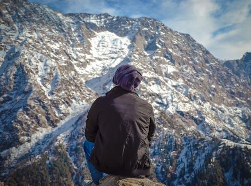 Kostenloses Stock Foto zu abenteuer, berg, bergsteiger, blauen berge