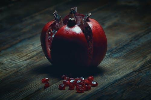 Kostnadsfri bild av frukt, granatäpple, mat, rustik