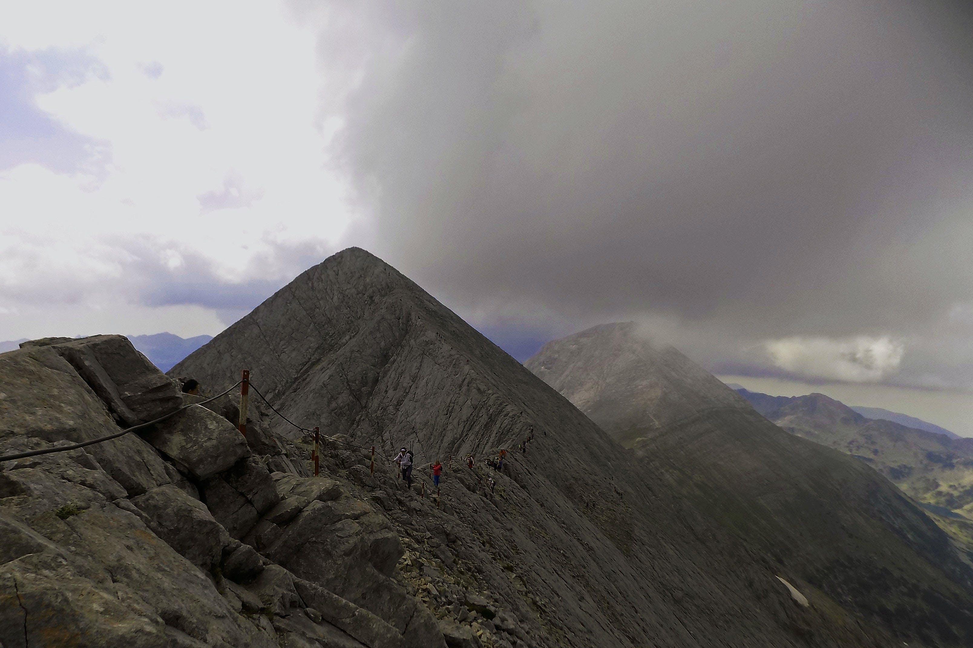 chmury, góra, krajobraz