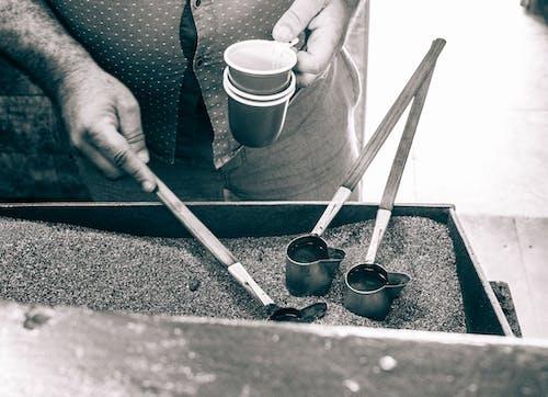 คลังภาพถ่ายฟรี ของ กาแฟ, กาแฟดำ, ชงกาแฟ, ดื่มกาแฟ