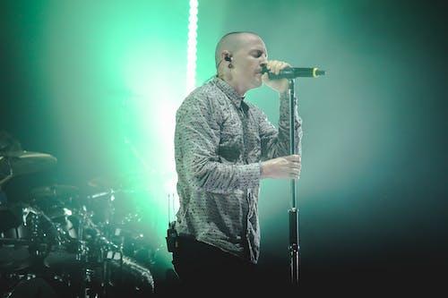 Fotos de stock gratuitas de actuación, artista, cantante