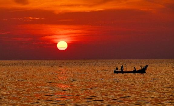 Kostenloses Stock Foto zu küstenseesonnenuntergangboot thailand