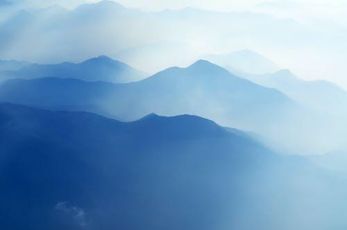 Gratis lagerfoto af antenne, bjerg, bjergkæde, blå