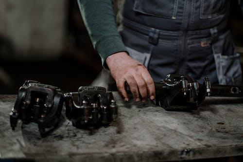 Δωρεάν στοκ φωτογραφιών με άνδρας, ανταλλακτικά, γκρι