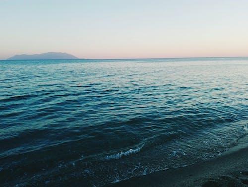 Gratis arkivbilde med bølge, daggry, fredelig, hav