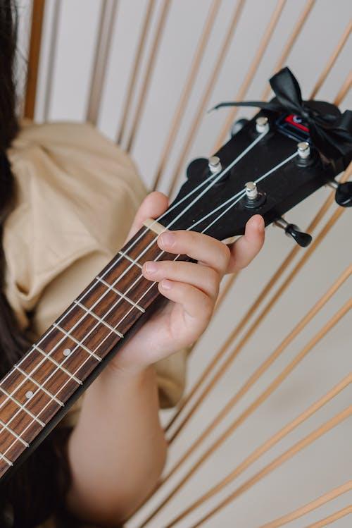 akustik, boş zaman etkinliği, el içeren Ücretsiz stok fotoğraf