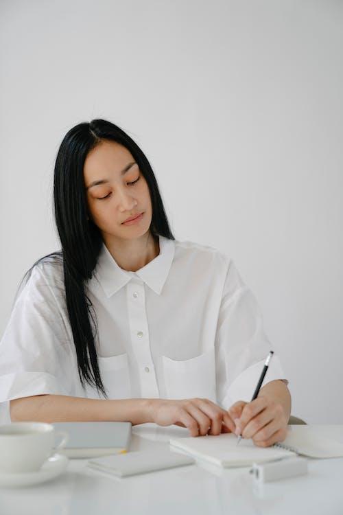 Безкоштовне стокове фото на тему «blanche, copy space, азіатська жінка»