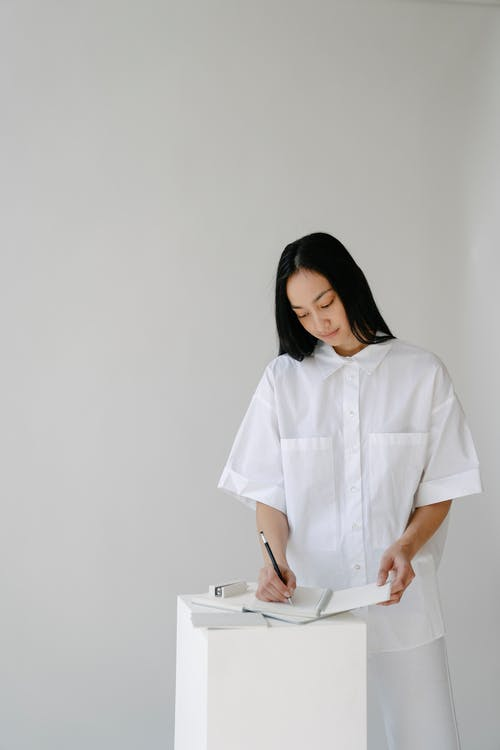 Безкоштовне стокове фото на тему «copy space, азіатська жінка, білий»