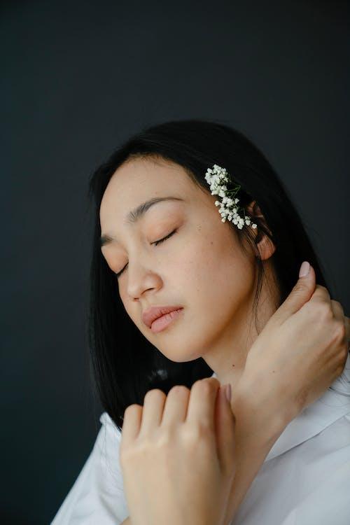 Бесплатное стоковое фото с азиатка, безмятежный, брюнетка