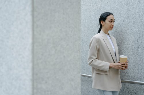 Ingyenes stockfotó ázsiai nő, bámul, bámulás témában