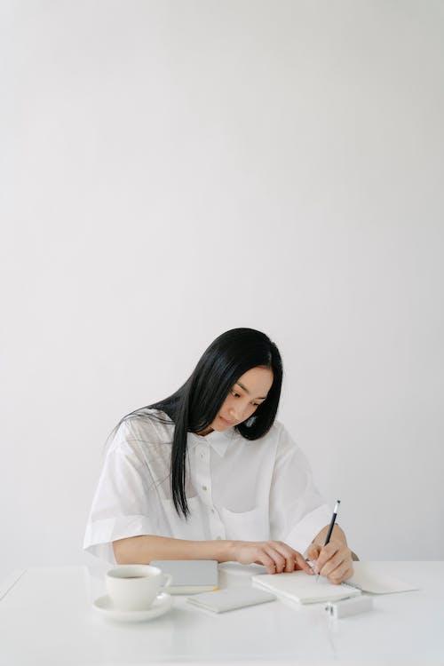 Безкоштовне стокове фото на тему «copy space, азіатська жінка, аромат»