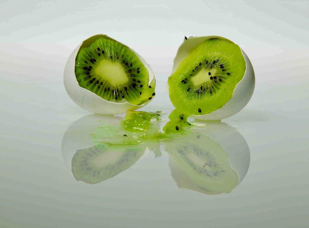 gusci d'uovo, kiwi, succoso