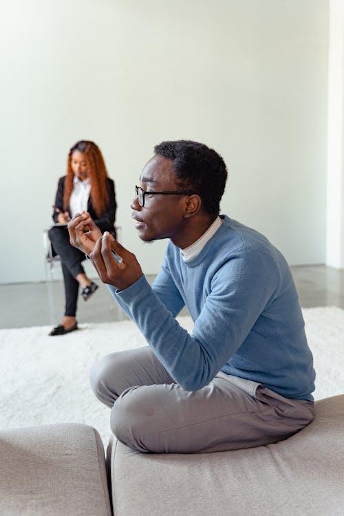 Gratis lagerfoto af afroamerikansk, argumentere, bestride